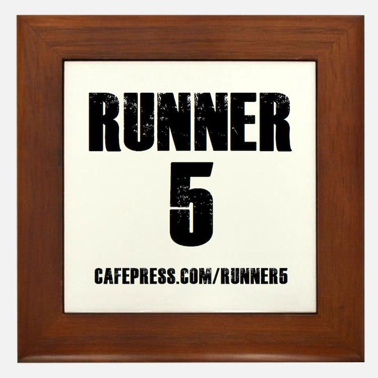 RUNNER 5 Framed Tile