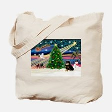 XmasMagic/Pom (bt) Tote Bag