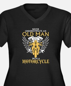 Never Underestimate Old Man With Plus Size T-Shirt