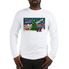 Xmas Magic & Min Pin pr Long Sleeve T-Shirt