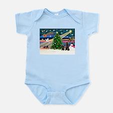XmasMagic/2 Poodles (blk) Infant Bodysuit