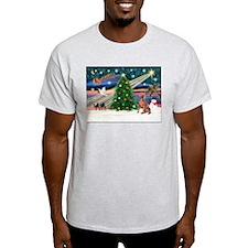 XmasMagic/Weimaraner 4 T-Shirt