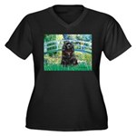 Bridge / Black Cocker Spaniel Women's Plus Size V-