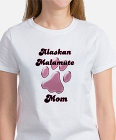 Malamute Mom3 Women's T-Shirt