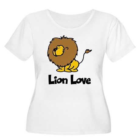 Lion Love Women's Plus Size Scoop Neck T-Shirt