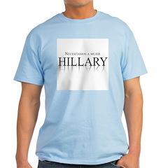 Necesitamos a mujer Hillary T-Shirt