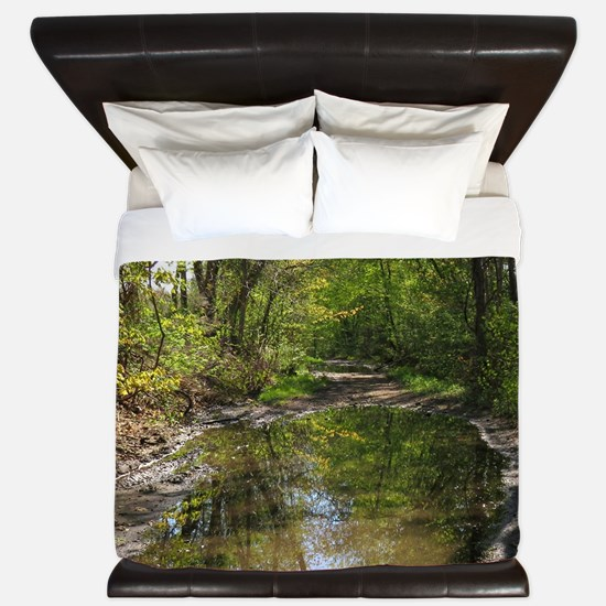 Wet watery trail scene King Duvet