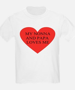 nonna and papa loves me red T-Shirt