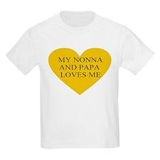 nonna and papa loves me yello T-Shirt