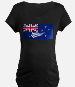 New Zealand Flag With Silver Fer Maternity T-Shirt