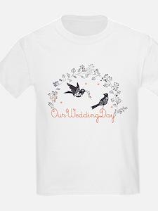 Magpie bird pattern T-Shirt