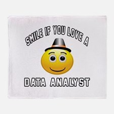 Smile If You Love Data analyst Throw Blanket