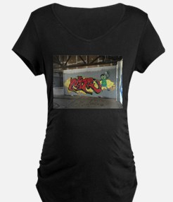 Graffiti artwork Maternity T-Shirt