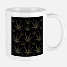 gold canabis Mugs