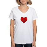 I heart Softball Women's V-Neck T-Shirt
