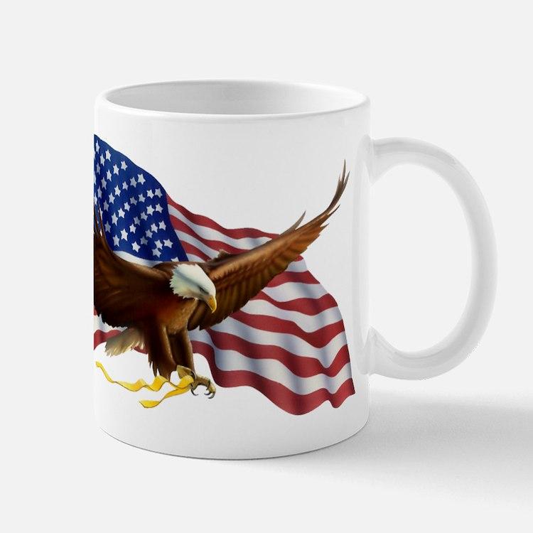 Cute American eagle with flag Mug