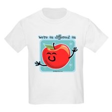 different as apples and oranges (apple) T-Shirt