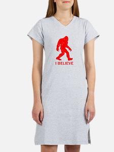 I Believe In Bigfoot Women's Nightshirt
