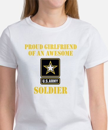 Proud U.S. Army Girlfriend T-Shirt