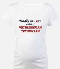 Madly in love with a Veterinaria Shirt