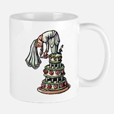 Bride Decorates Her Own Wedding Cake Mugs