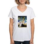 Umbrella / 2 Poodles(b & w) Women's V-Neck T-Shirt