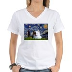 Starry/Pomeranian(r&w) Women's V-Neck T-Shirt