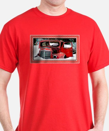 Keeshond - Old Car Christmas T-Shirt