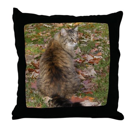 Maine Coon cat Fall leaves Throw Pillow
