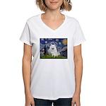 Starry-Am. Eskimo Dog Women's V-Neck T-Shirt