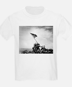 Iwo Jima, raising the flag T-Shirt