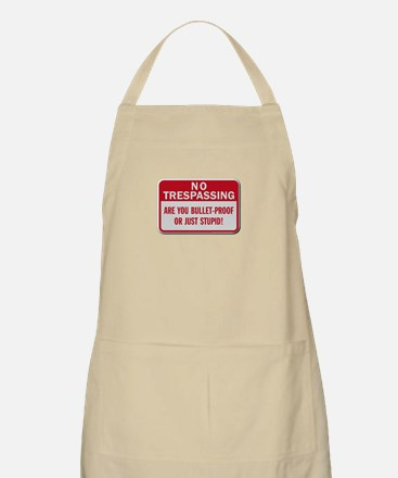No trespassing Apron