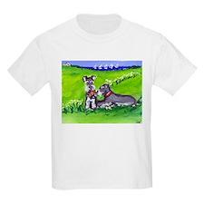 SCHNAUZER tug o war Design Kids T-Shirt