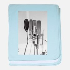 Microphone recording equipment for vo baby blanket