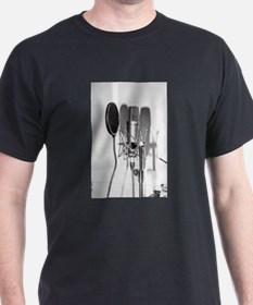 Microphone recording equipment for vocals T-Shirt