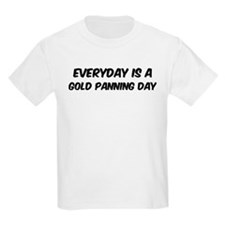 Gold Panning everyday T-Shirt