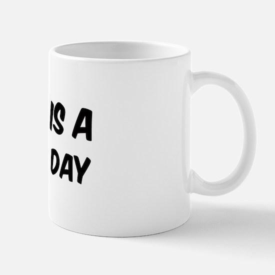 Bouldering everyday Mug