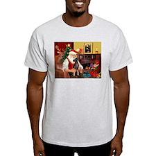 Santa'sMiniature Pinscher T-Shirt