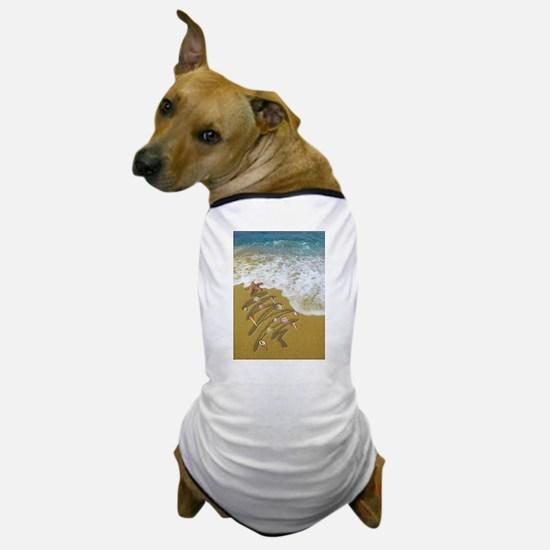 Christmas Seashells and Tree Washed Up Dog T-Shirt