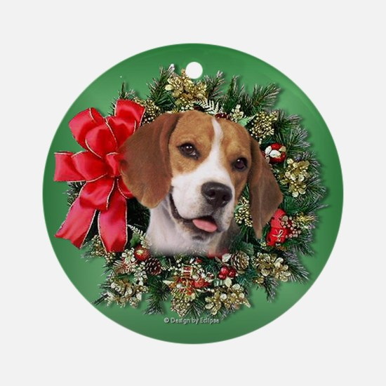 Beagle Christmas Wreath Ornament (Round)