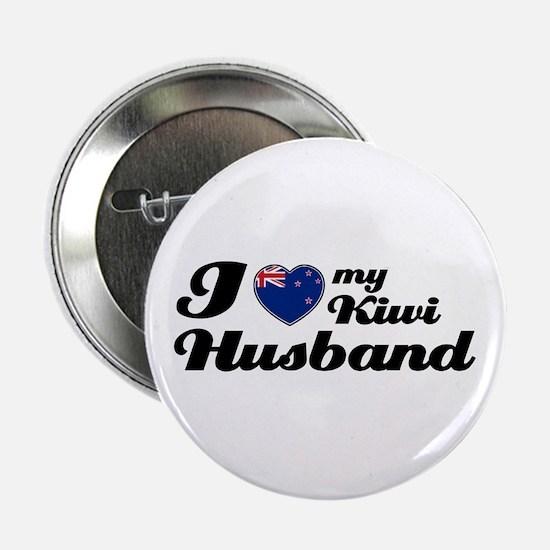 """I love my Kiwi husband 2.25"""" Button"""