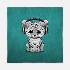 Cute Snow leopard Cub Dj Wearing Headphones Queen