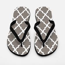 Moroccan Quatrefoil Pattern: Neutral Br Flip Flops