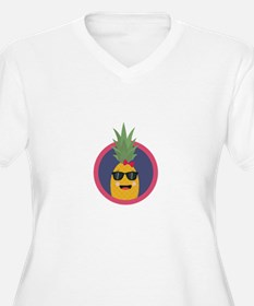Cool pineapple with sunglasses Plus Size T-Shirt