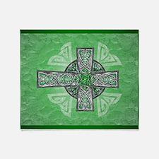Traditional Celtic Cross Green Throw Blanket
