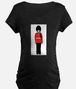 British Soldier On Guard Duty Maternity T-Shirt