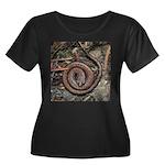 Slender Salamander Plus Size T-Shirt