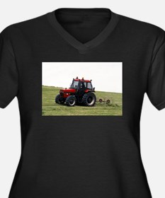 A Red Tractor On The Go Women's Plus Size V-Neck D