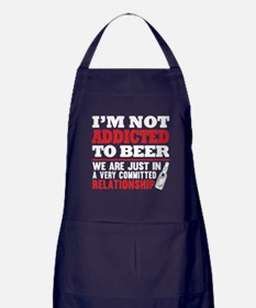 I'm Not Addicted In Beer T Shirt Apron (dark)