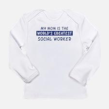 Social Worker Mom Long Sleeve T-Shirt